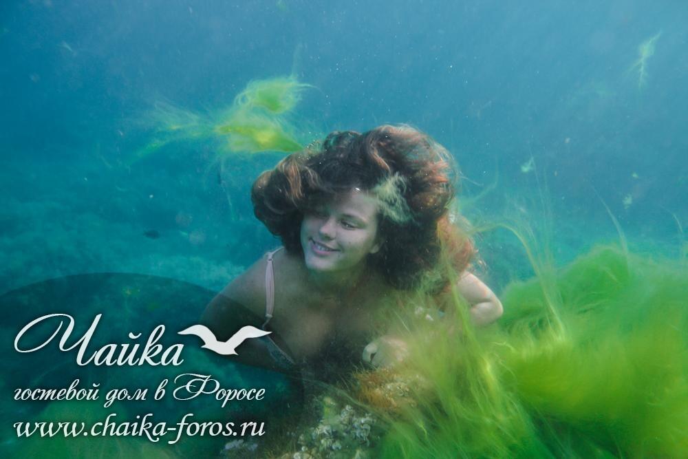 Фото девушки под водой Форос Крым